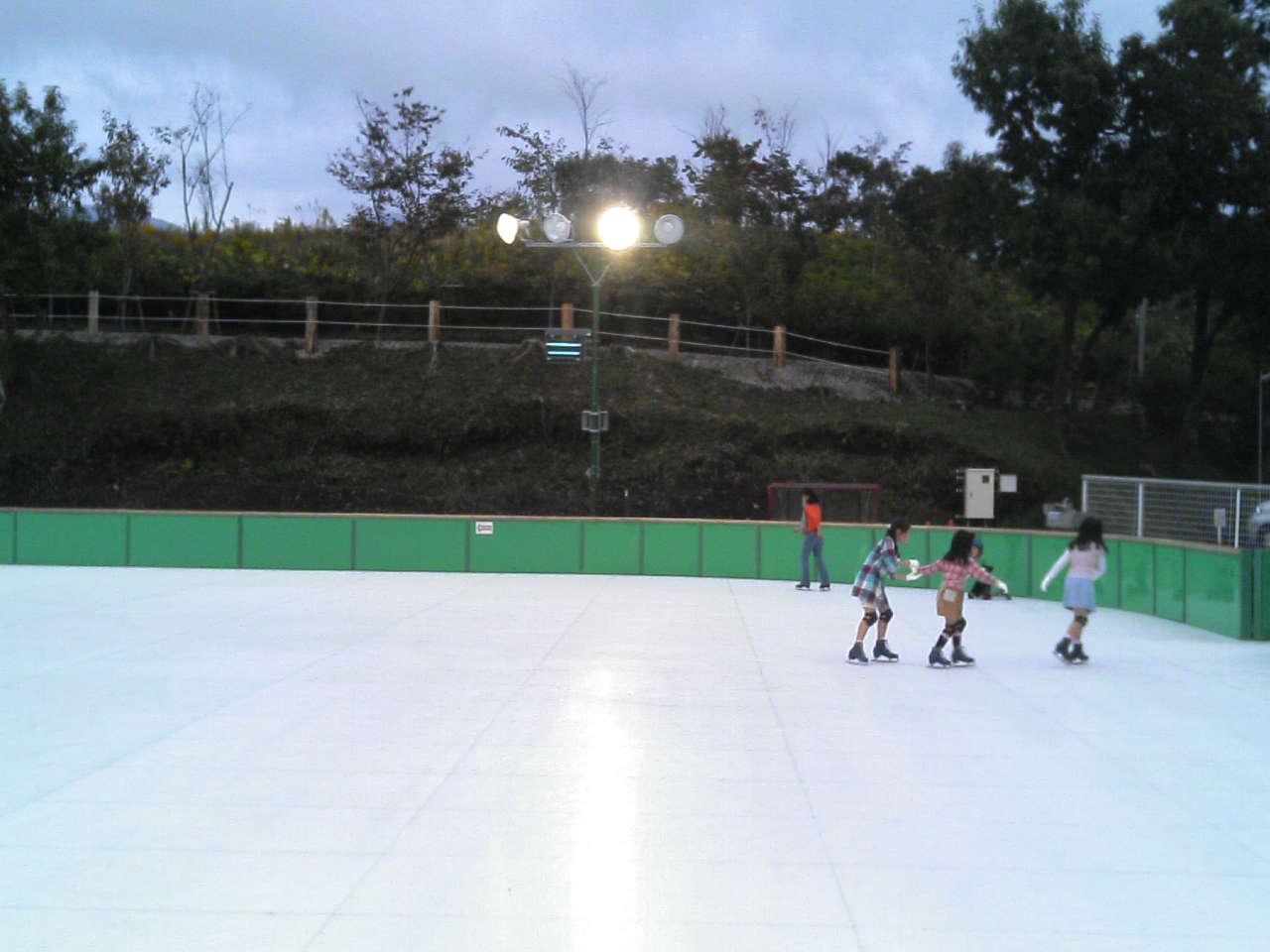 氷ではないスケートリンク